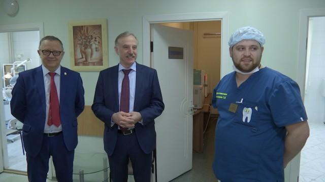 Владимир Ружицкий посетил отделение челюстно-лицевой хирургии