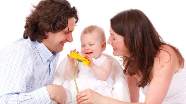 Минтруд России проводит опрос граждан о мерах по повышению рождаемости и поддержке семей с детьми